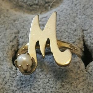 M or W ring with cultured pearl 12k filled