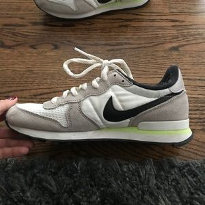 Nike Internationalist size 8 NEW