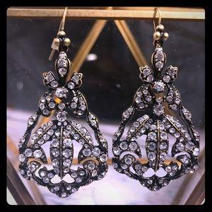 🆕 NEVER WORN! Vintage inspired chandler earrings!