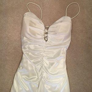 Gorgeous white gown!