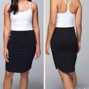 Lululemon 16 Hour Dress size 8 LIKE NEW!
