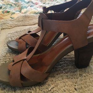 Lucky Beand leather summer heels