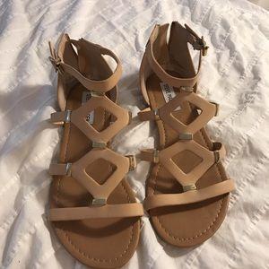 Steve Madden size 8 sandal