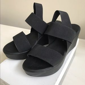 Charles David classic black elastic wedges