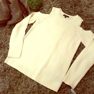 Cream cut out shoulder sweater!!!! NWT