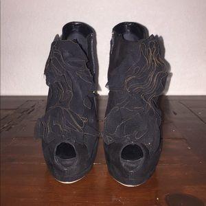 Giuseppe zanotti ankle high heel boots