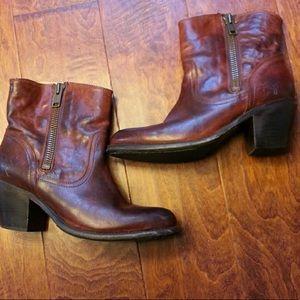 Frye Leslie ankle boot