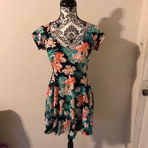 VS PINK Hawaiian floral dress