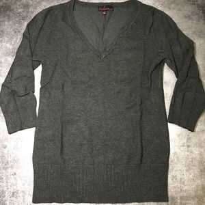 Grey 3/4 sleeve V-neck Sweater