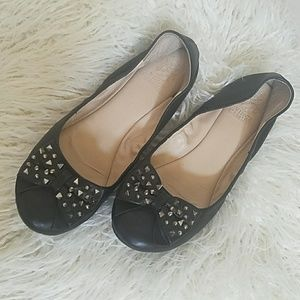 Vince Camuto black studded bow flats