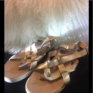 LoLana sandals tommy Bahama