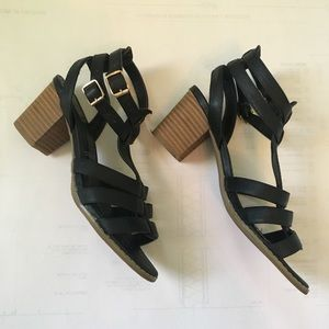 Call it Spring cerrida block heel sandals
