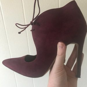 Aldo size 8.5 Burgundy High Heels