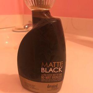 Devoted matte black tanning lotion!!