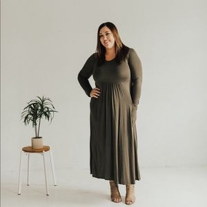 PLUS Long Sleeve maxi dress with pockets - Olive