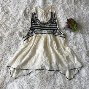 [Hollister] Ivory Embroidered Sleeveless Top