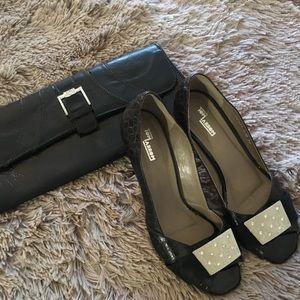 Beautiful set of Brazilian shoes with purse