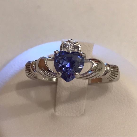 Sterling Silver /& Tanzanite CZ Crystal December Birthstone Claddagh Ring I U