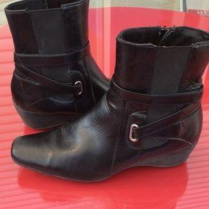Liz Claiborne black leather boots size 8