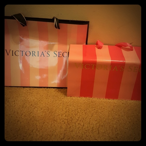 Victoria\'s Secret Bags | Designer Shopping Great For Wall Decor ...