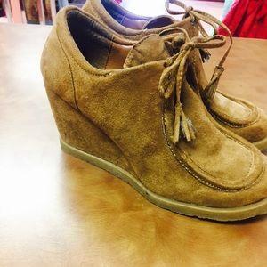 Tan Wedge Boot