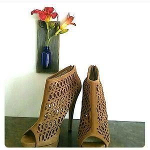 ALDO· Taupe Heels · sz 8.5