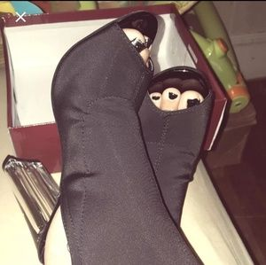 Shoes - 🔴 Clear Heel Booties