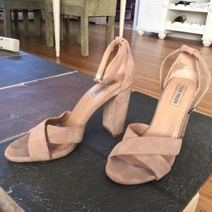 9.5 taupe/nude Steve Madden thick heels