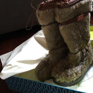Tory Burch rabbit fur boots!