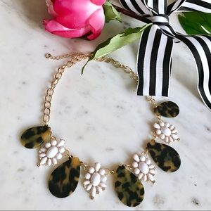 Jewelry - 🎁2 for $24! Tortoise & Enamel Statement Necklace