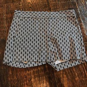 Black printed shorts with pockets