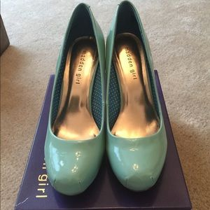 Madden Girl Mint colored heels size 9