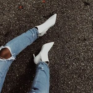 🆕//The Portia// White low heel bootie