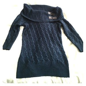 Sweaters - Off shoulders sweater