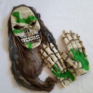 Other - NWOT Skeleton Mask & Gloves
