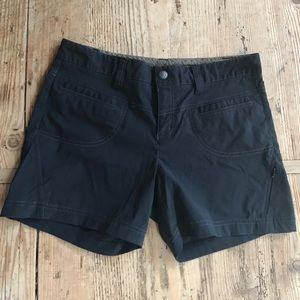 Athleta black nylon shorts size 6