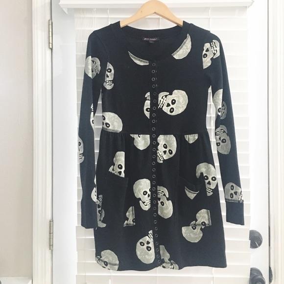 1c559695d Betsey Johnson Dresses & Skirts - Betsey Johnson / Black Thermal Skull  Print Dress