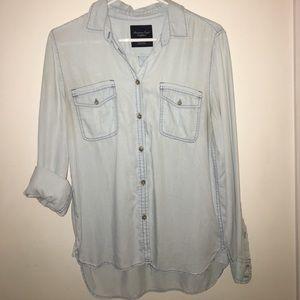 American Eagle soft chambray shirt