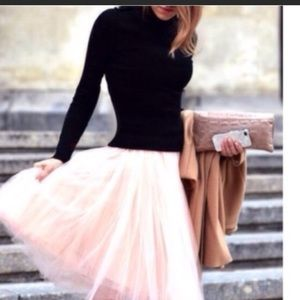 Beautiful pink Tulle skirt size small💕💕