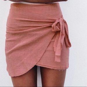 Peach mini skirt NWT