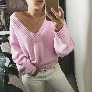 AMSTEL deep v-neck knit