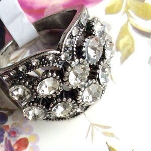 Jewelry - Crystal Statement Ring Vintage Style