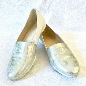 Ecco White & Metallic Gold Flats 37