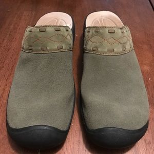 Keen clogs, leather size 8.5