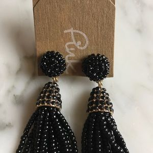 Jewelry - NWT Beaded tassel earrings  in black