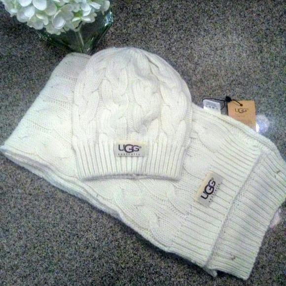 53577ba5e63 Brand New UGG Cream Hat and Scarf Set