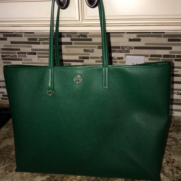 59c12f0a2ec Tory Burch Green Purse   Laptop bag. M 59d166a83c6f9f23eb0b1eb8