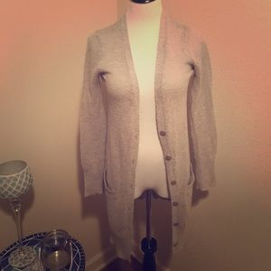 Cute grey cardigan! Long and lightweight!