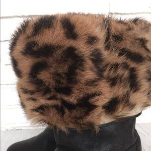 Pelle Moda Shoes - Vintage Leopard Fur Black Fold Over Winter Boots 8