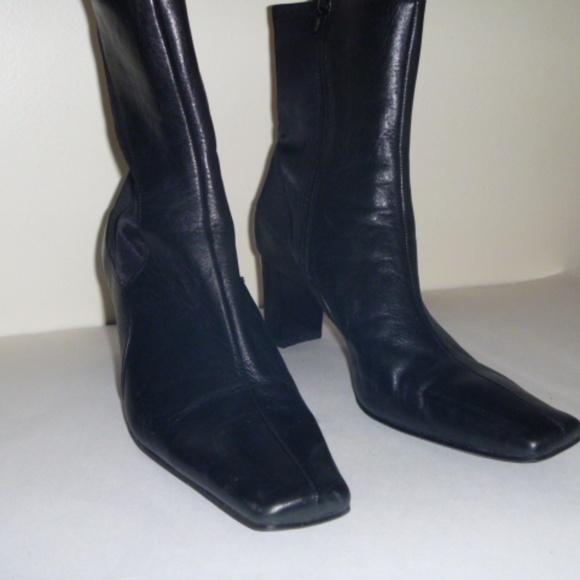e83b62a39d0 Liz Claiborne Shoes - Liz Clairborne Flex High Heel Leather ankle boots